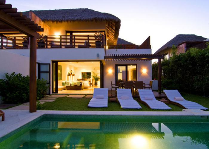 This Porta Fortuna villa incorporates 4,000 square feet of indoor outdoor living space within a luxury development. Villa Onix is a three bedroom 3.5 bathroom Punta Mita villa nestled within the renowned Porta Fortuna development.  Enjoy five star amenities such as private beach club access, room service, private concierge, private chefs and...