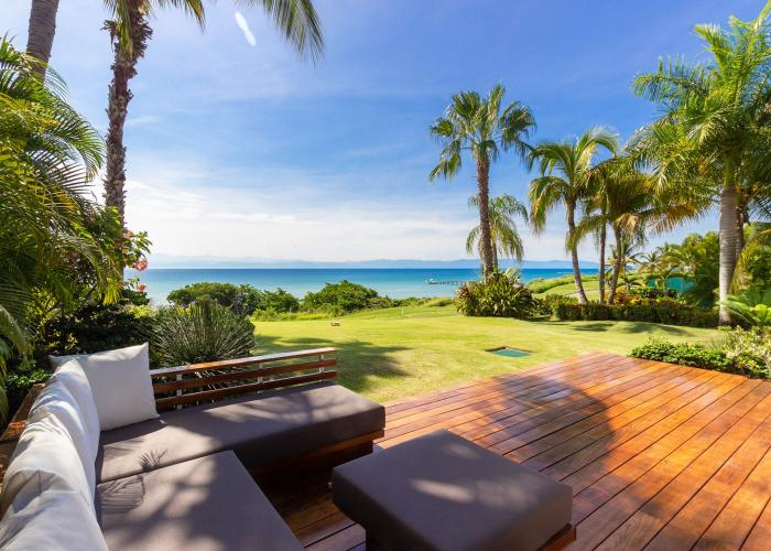 Located within the El Encanto community, Villa Diamante offers a spectacular view of Bahia golf course (designed by Jack Nicklaus). Her four bedrooms offer comfort that comes with luxury and contemporary design. Each bathroom features ensuite bathrooms.