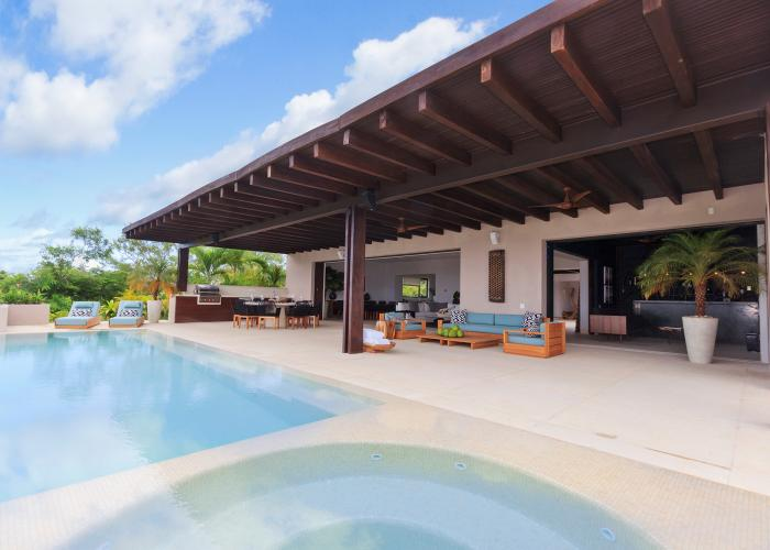 Tres Amores is the perfect home base for your vacation adventure. This villa is located just 26 miles from Puerto Vallarta in one of the most exclusive and scenic areas of Mexico. Tres Amores has panoramic views of the Pacific and is just steps away from white-sand beaches and championship golf courses.  Guests can easily incorporate standup...