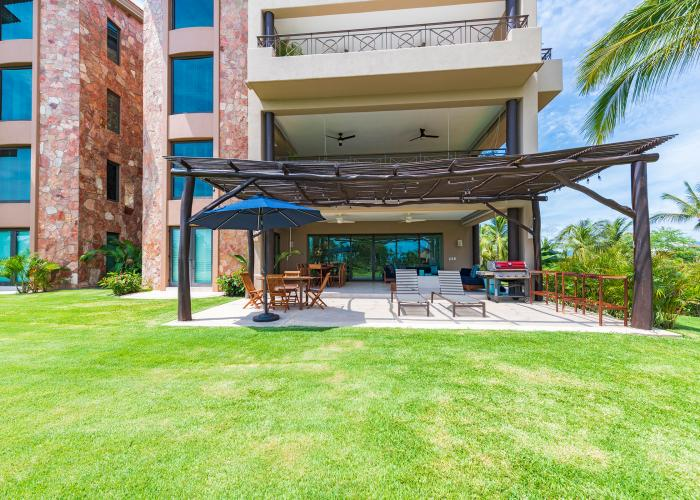 Condo Areca is located inside the gates of Punta Mita where the Four Season's world-renowned property is located. Guests that stay in the Condos at Punta Mita have over 3,500 square feet of secure luxury and serenity. The condo is designed and furnished to entertain the elite international traveler. This Punta Mita vacation rental offers guests a...